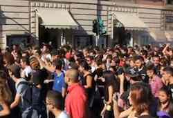 Студенты и профсоюзы вышли на митинг 17 ноября в Палермо.