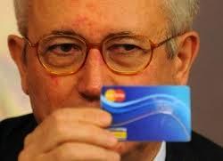 Social card можно заплатить за коммунальные услуги и покупку продуктов