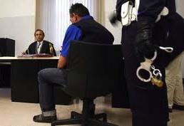 Специалисты нелегально занимались адвокатской деятельностью, предоставляя иммигрантам фальшивые Нулла Оста
