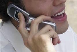 Мобильные телефоны могут спровоцировать опухоль мозга