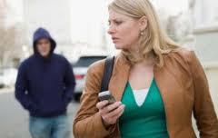 Сталкер был арестован сотрудники почтовой полиции и связи г. Катании и посажен под домашний арест.