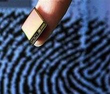 Пластиковая карта будет содержать не только идентификационную информацию ее владельца - имя, фамилию, и т.д., но и биометрические данные – фотографию, отпечатки правого и левого указательных пальцев.