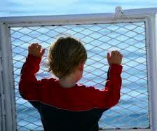 Несмотря на то, что прошло уже более 6 месяцев с момента кораблекрушения круизного лайнера Costa Concordia, подачи исков по поводу различного рода компенсаций пострадавшим пассажирам не прекращаются