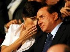 Известная комедийная актриса в своем шоу на площади Навона публично намекнула на пикантные отношения между 72-летним главой итальянского правительства Сильвио Берлускони и красавицей Марой