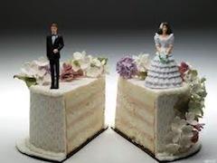 Нововведение позволило бы сократить время бракоразводного процесса с 3 лет до 1 года (или 2 лет, если в семье есть несовершеннолетние дети), при условии, что оба супруга согласны на развод