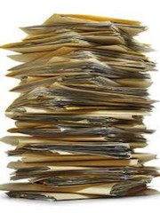 Правда, при подаче запроса на получение итальянского гражданства иностранным гражданам больше не нужно запрашивать справки о несудимости в итальянских судах и получать сертификаты из коммуны (кроме свежей выписки из акта регистрации брака, чаще формата А3)