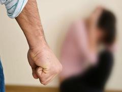 Осужденный просил пересмотреть приговор, но суд постановил, что за издевательства и насилие муж-тиран обязан будет возместить ущерб своей жене в размере 80 тысяч евро