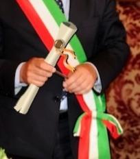 Циркуляр № 6415/2011 МВД Италии гласит, что по истечении 730 дней заявитель становится обладателем субъективного права приобретения итальянского гражданства
