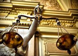 Однако Национальный адвокатский совет (Cnf) решил оспорить нововведения, и уже в ноябре прошлого года на совместном заседании Министерства юстиции и Единого адвокатского органа (OUA) первым было дано обещание пересмотреть положения