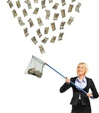 В настоящее время и до 31 октября с.г. контроль осуществляется только за денежными операциями, осуществленными в 2011 году, данные за 2012 год должны быть предоставлены к 31 марта 2014 года. Срок подачи отчета за 2013 год будет заканчиваться 20 апреля 2014 года, и так каждый последующий год.