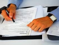 Правительство Италии вняло просьбам представителей свободных профессий и отложило на год введение для них обязательного страхования гражданской ответственности, которое, согласно Декрету решений 137/12, должно было вступить в силу в августе 2013 г.