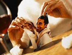 Взяв за пример французскую бракоразводную практику, депутаты предложили сократить срок получения развода при обоюдном согласии после процедуры раздельного проживания с актуальных 3 лет до 1 года, а случае, если у супругов нет несовершеннолетних детей или детей-инвалидов — до 9 месяцев.