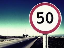 Не всегда штрафы за нарушение правил дорожного движения получают лихие водители. Оказывается, по халатности госучреждений, отвечающих за расстановку дорожных знаков, «письмо счастья» может получить даже самый аккуратный автолюбитель.