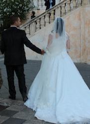 Во-первых, по сегодняшним правилам супруги должны на протяжении трех лет жить раздельно (сепарационе), чтобы подать документы на развод ( невозможно, если во время этого периода было примирение).