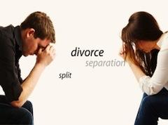 Главное условие — супруги должны достичь соглашения, либо посредством переговоров (медиации) при участии общего адвоката или адвокатов каждой из сторон, либо самостоятельно. Закон предусматривает возможность обращения и подачи документов на «сепарационе»/расторжение брака непосредственно сотруднику ЗАГС или мэру, без участия адвоката.